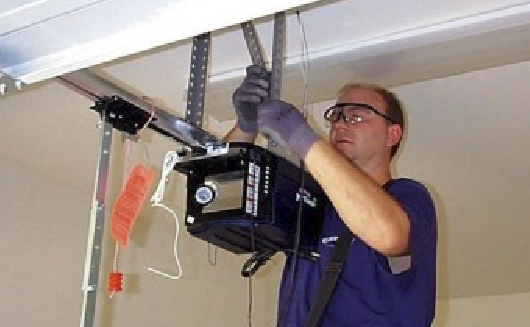 Free Estimates for garage door repair in Broward County