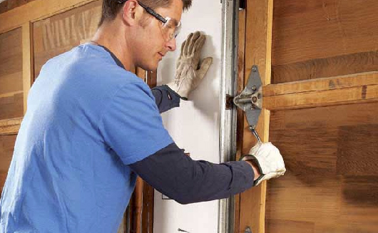garage door repair services Hollywood, Florida