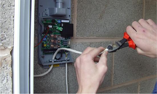 How to Test Your Garage door Sensors Before Replacing It?
