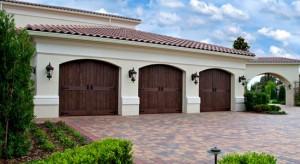 Garage door repair company in Cooper City