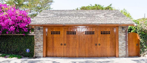 Choose a Garage Door Material for your Davie Home