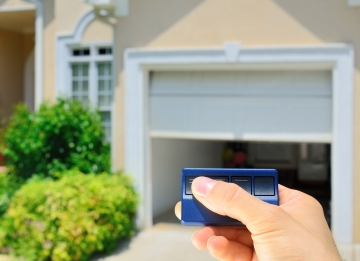 Garage door opener in Hollywood, Florida